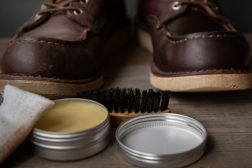 Waxing leather boots